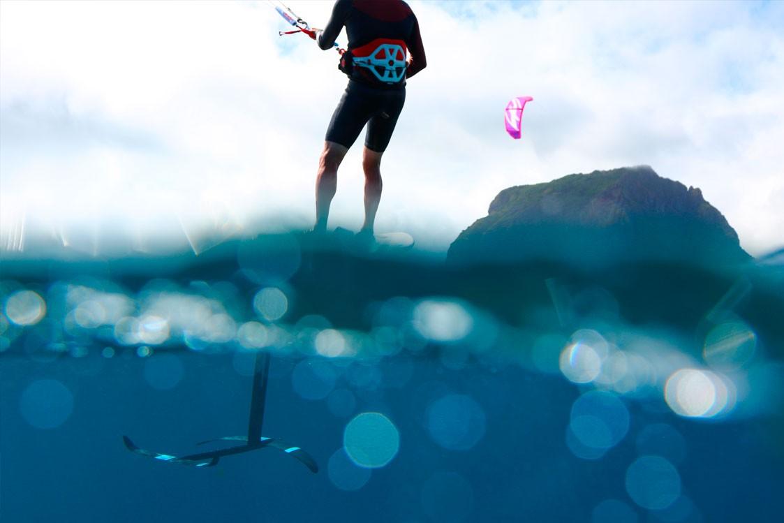 Kitesurf-foil engin de glisse sous marin