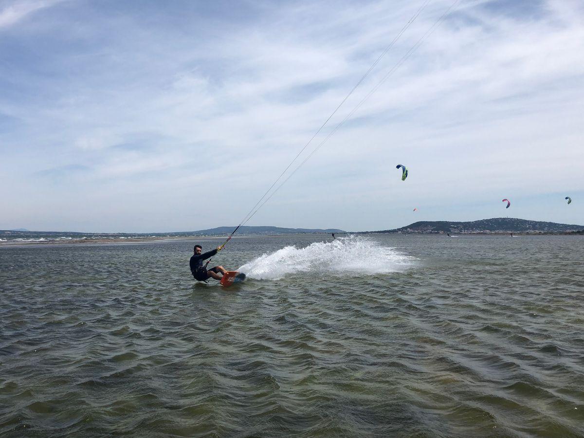 Kitesurf navigation surveillée étang de Thau